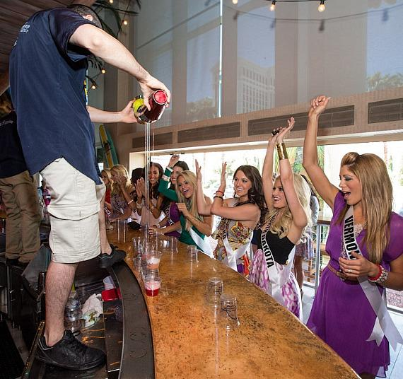 Miss USA contestants watch bartender flair demonstration at Margaritaville Casino