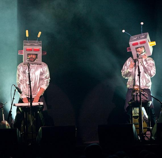Flight of the Conchords perform at The Joint