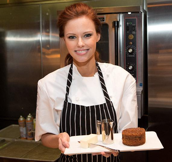 Miss USA Alyssa Campanella makes Sticky Toffee Pudding
