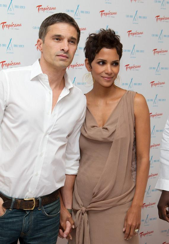 Halle Berry and boyfriend Olivier Martinez at Nikki Beach in The Tropicana