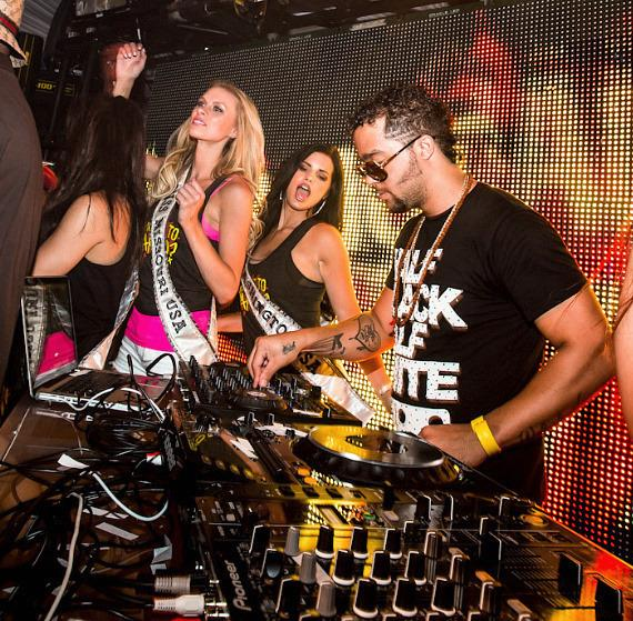 Sky Blu with Miss USA contestants at PURE Nightclub in Las Vegas