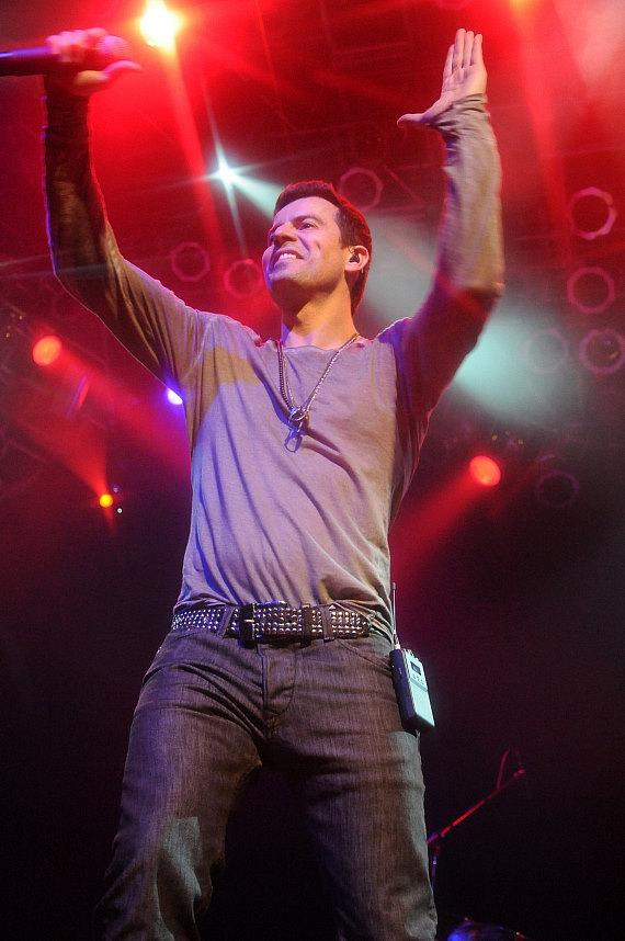 New Kid On The Block member Jordan Knight performs at the House of Blues