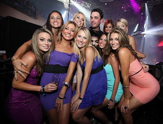 Kelly Carrington, DJ AM and hotties