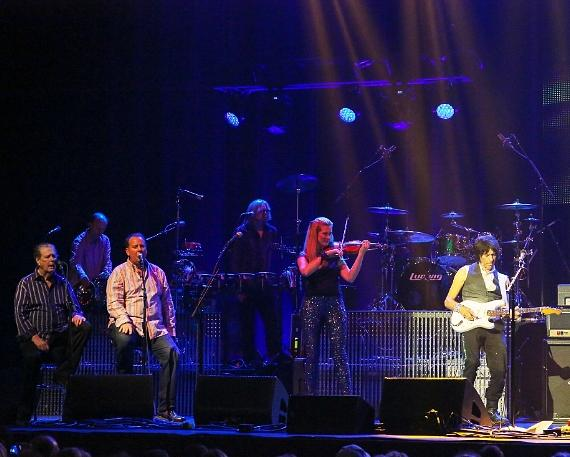Brian Wilson and Jeff Beck Live at The Pearl Inside Palms Casino Resort