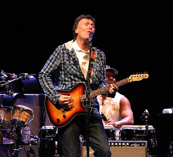 Steve Winwood Performs Live at the Pearl