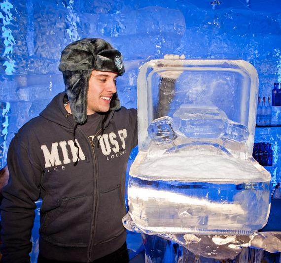 Kim Kardashian 500lb engagement ring ice sculpture