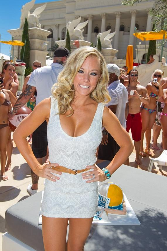 Kendra Wilkinson-Baskett celebrates 26th Birthday at Venus Pool Club