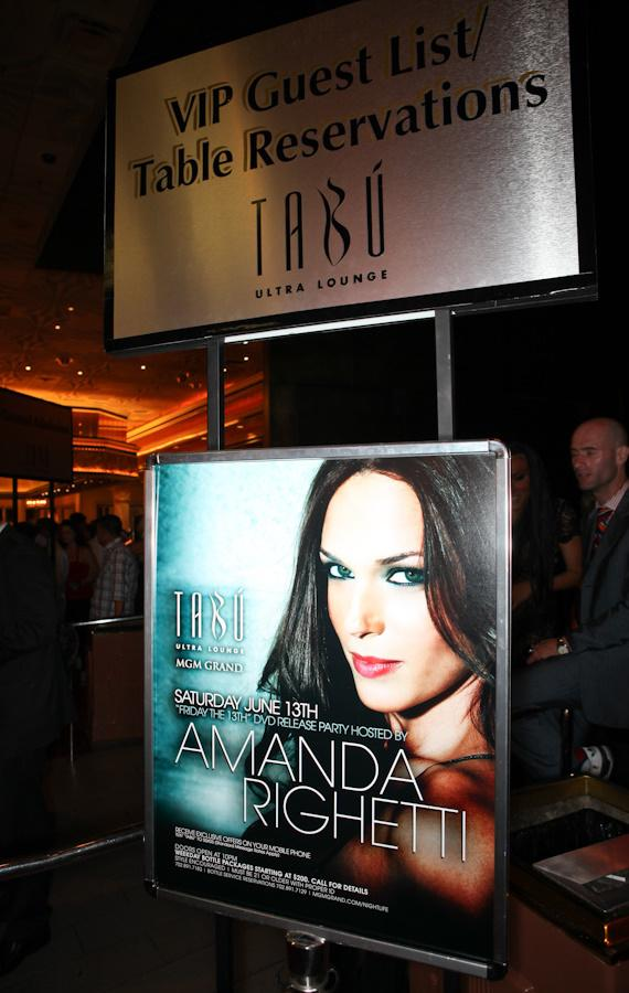 Amanda Righetti sign at Tabu