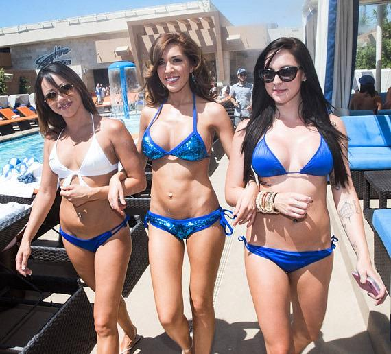 Farrah Abraham tours the pool area of Sapphire Pool & Dayclub in Las Vegas
