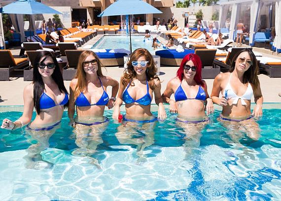 Farrah Abraham with Sapphire Girls in the popular glass-front pool at Sapphire Pool & Dayclub in Las Vegas