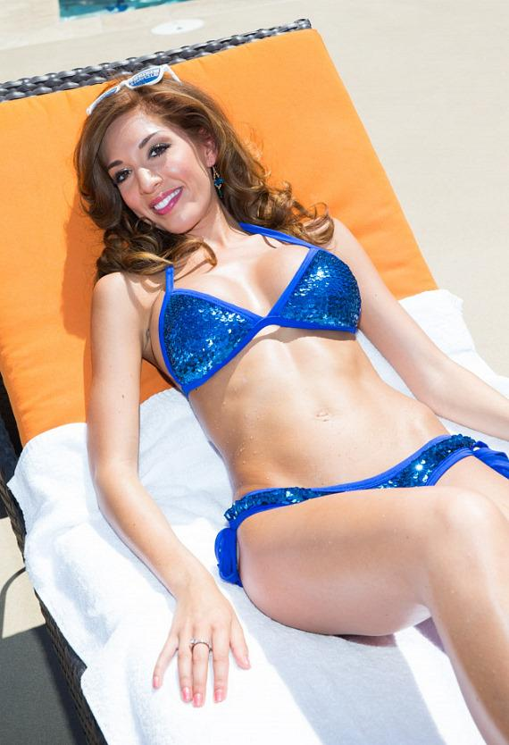Farrah Abraham enjoys the sun poolside at Sapphire Pool & Dayclub in Las Vegas
