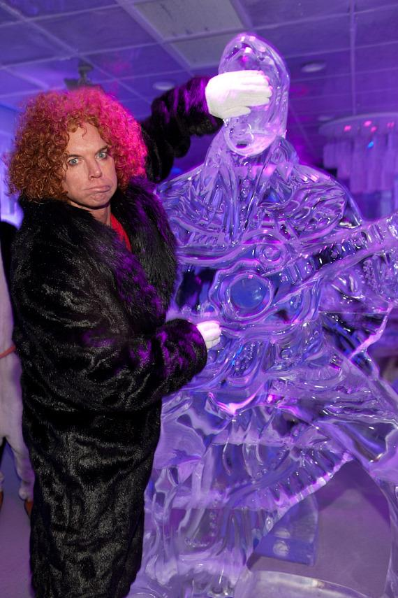 Carrot Top with Elvis ice sculpture
