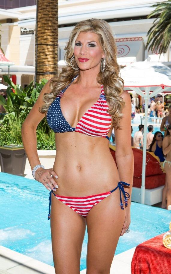 Alexis Bellino parties at Encore Beach Club