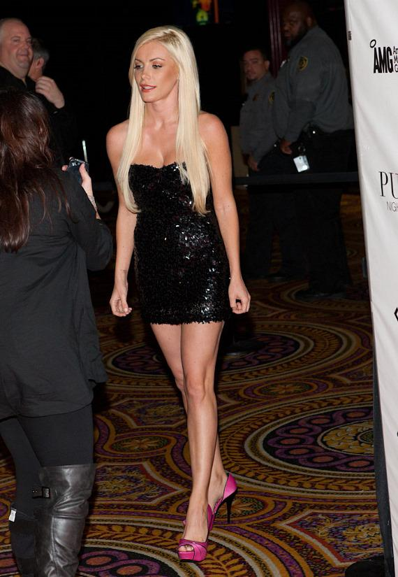 'Runaway Bride' Crystal Harris Parties at PURE Nightclub in Caesars Palace
