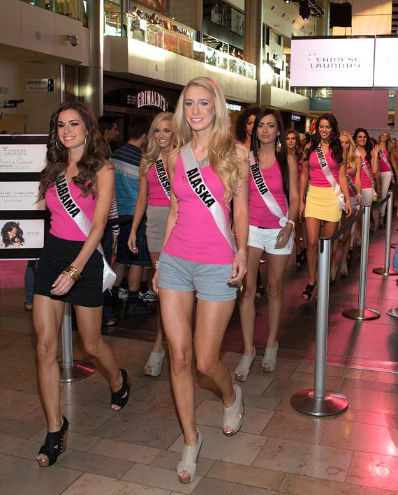 Miss USA Nana Meriwhether and 51 Miss USA contestant arrive at Chinese Laundry in Fashion Show Mall