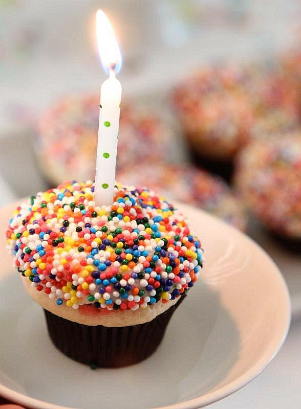 Sprinkles Cupcakes Celebrates One and Ten Year Anniversary Milestones in 2015
