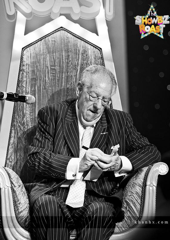 Oscar Goodman takes notes for future retribution