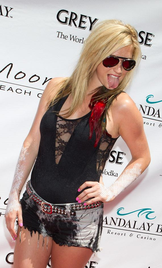 Ke$ha at Moorea Beach Club at Mandalay Bay