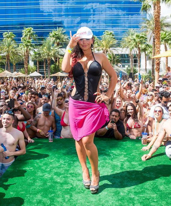 JWoww with the crowd at REHAB at Hard Rock Hotel & Casino
