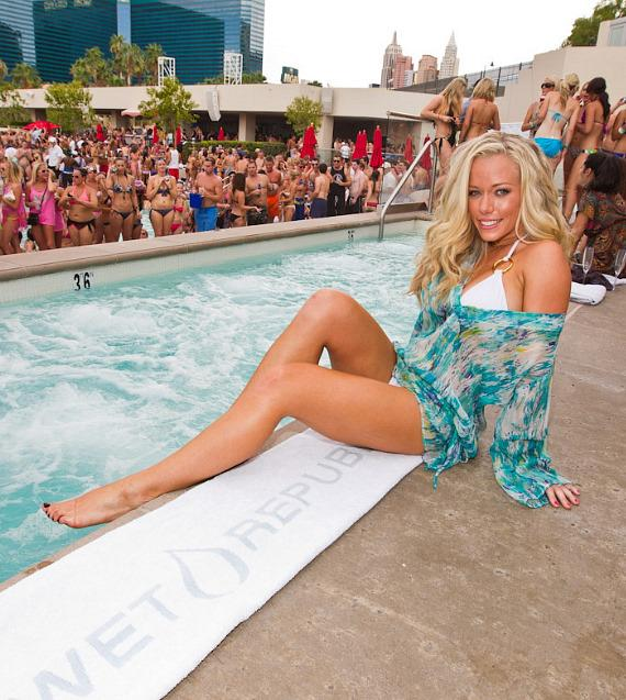 Kendra Wilkinson-Baskett at WET REPUBLIC
