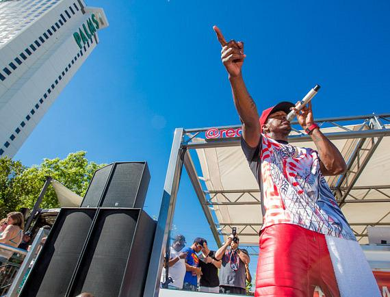 """Ne-Yo performs on stage at """"Ditch Fridays"""" at Palms Pool in Las Vegas"""