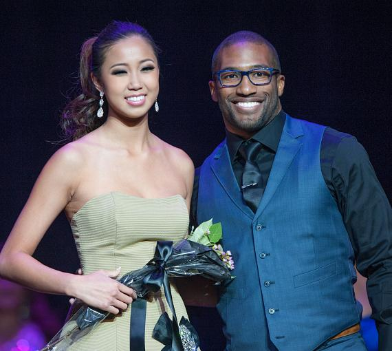 Miss Asian Las Vegas TEEN Rianne Lu poses with Celebrity Judge Marquel Martin