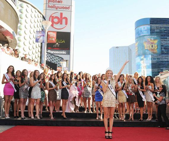 2010 Miss USA contestants welcomed at Planet Hollywood
