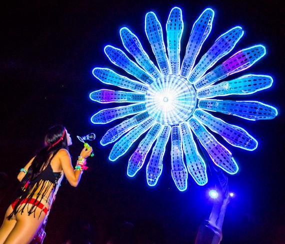 Atmosphere under the sunflower at EDC 2012