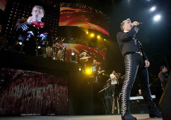Alejandro Fernandez performs at Mandalay Bay