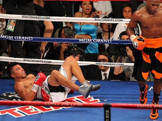 Ortiz on the canvas