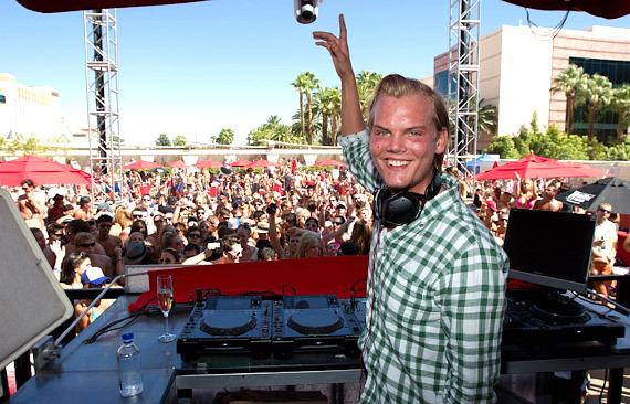 Avicii spins at Wet Republic on Labor Day Weekend