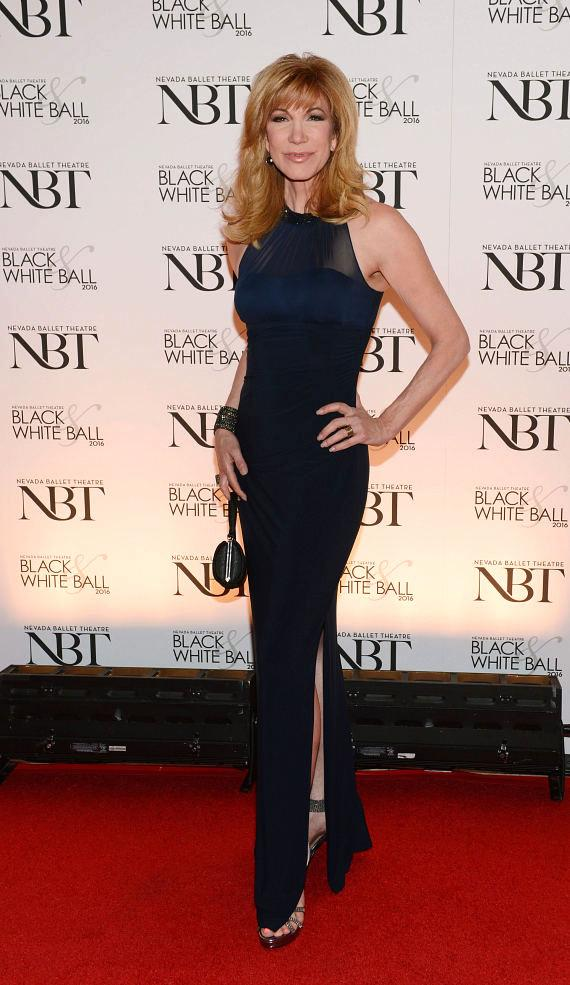 Leeza Gibbons at 32nd Annual Black & White Ball