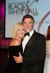 Nevada Ballet Theatre Honors Olivia Newton-John at 32nd Annual Black & White Ball