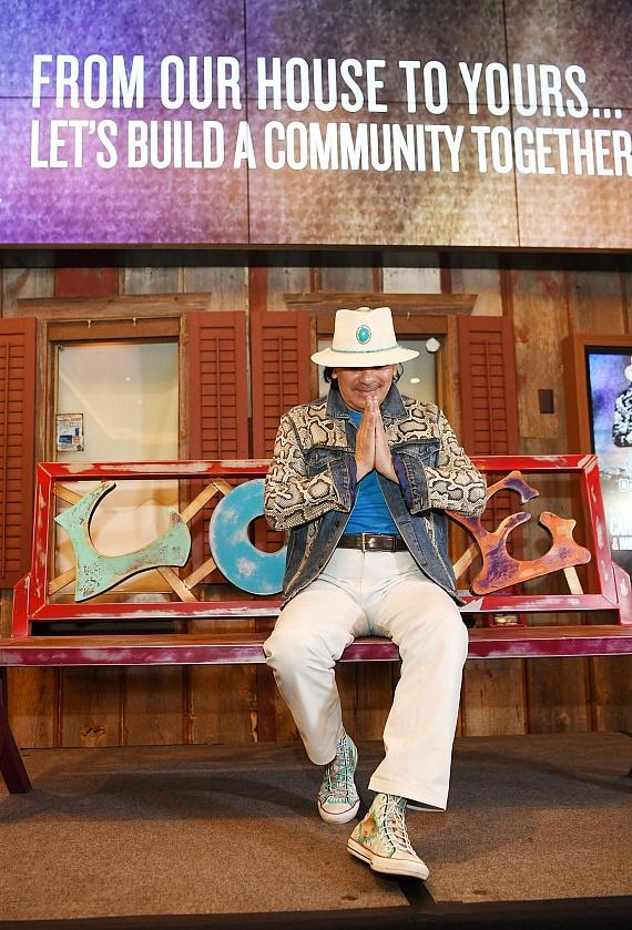 Carlos Santana Unveils Art Project and Collaboration with Habitat for Humanity at House of Blues Las Vegas