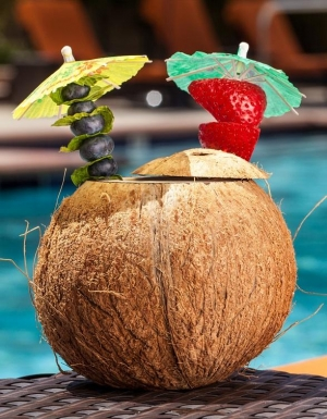 'Sip' Back and Relax Poolside this Labor Day at The Deck at Aliante Casino + Hotel + Spa