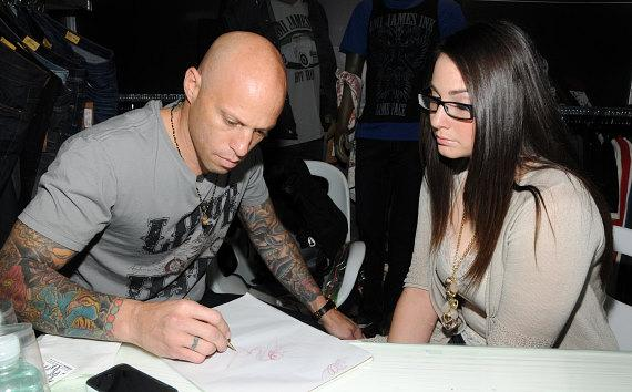 Ami James works with Ashlyn Crone on the design of the tattoo