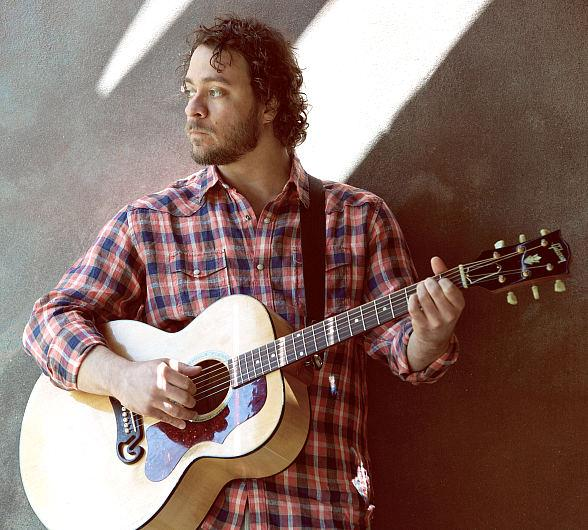 "Amos Lee's ""Mountains of Sorrow, Rivers of Song"" Tour Hits The Smith Center in Las Vegas Feb. 25"