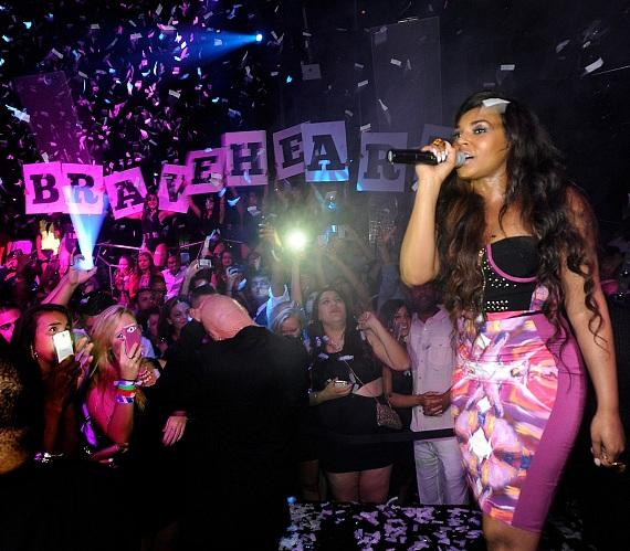 Ashanti performs at Moon Nightclub