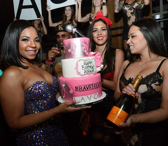 Ashanti with birthday cake at LAVO