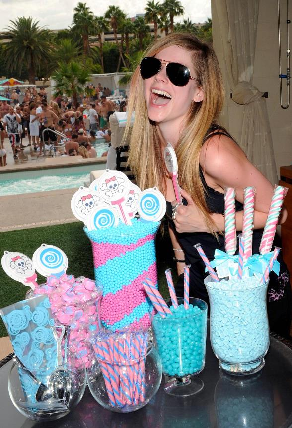 Avril Lavigne at WET REPUBLIC