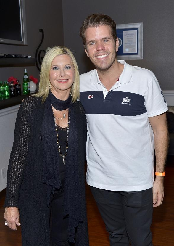 "Perez Hilton attends Olivia Newton-John's ""Summer Nights"" then rides The High Roller in Las Vegas"