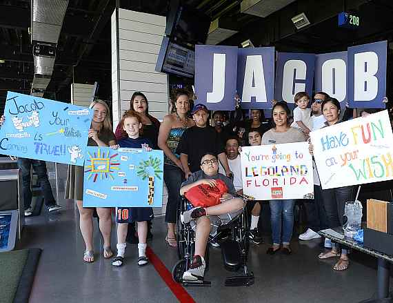 """Wish Reveal"" at Topgolf during Make-A-Wish's annual World Wish Day"