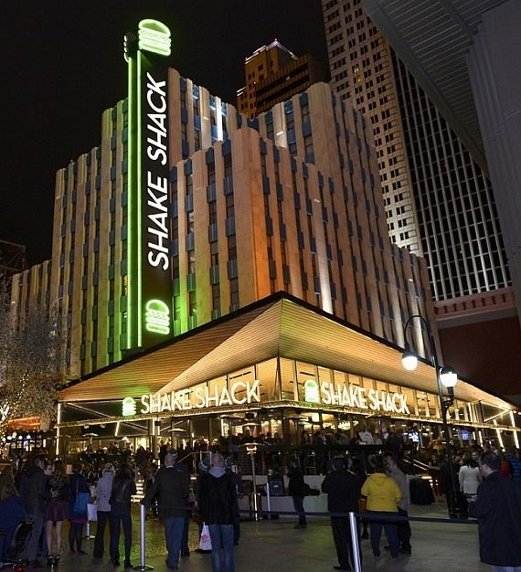 Shake Shack Opens First West Coast Restaurant in Las Vegas at New York-New York Hotel & Casino