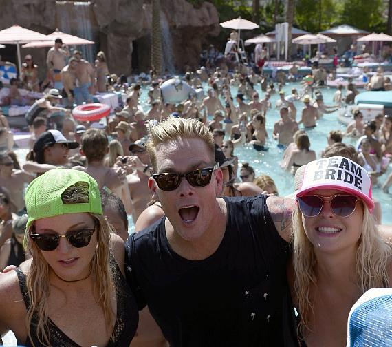 Mark McGrathhosted the pool's popular booty shaking contest