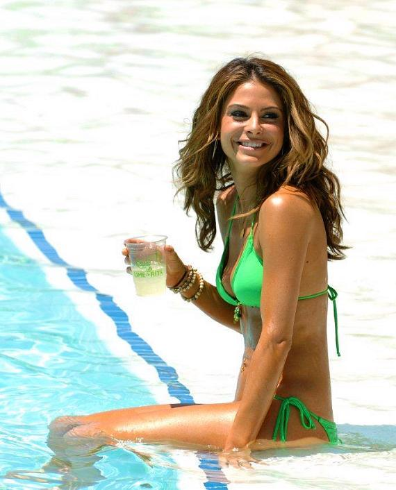 Maria Menounos drinks a Bud Light Lime 'Lime-a-Rita' at Mandalay Bay Resort & Casino