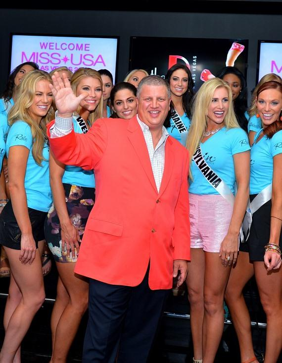 The D Las Vegas owner Derek Stevens with Miss USA contestants
