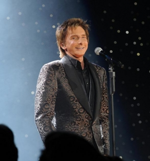 "Pop Superstar Barry Manilow to Perform ""ONE LAST TIME"" in Las Vegas at MGM Grand April 10"