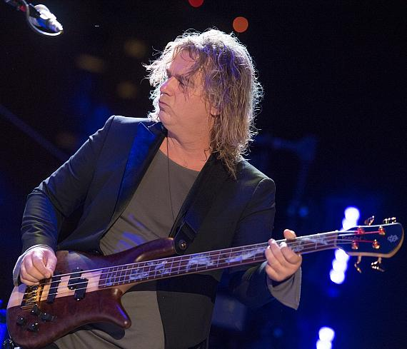 Billy Sherwood with YES at the DLVEC