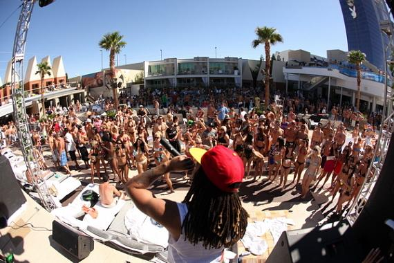 Bobby Brackins performing at Palms Pool & Bungalows
