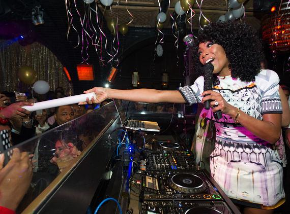 Brandy celebrates NYE at LAVO